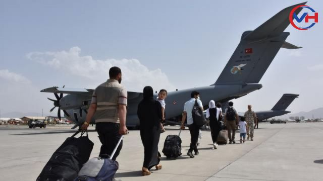 Afganistan'da Türk vatandaşların tahliyesi sürüyor
