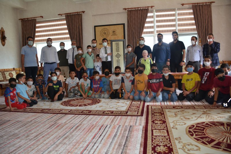 Van AK Parti İstikbal vadeden gençlerle buluştu